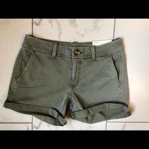 American Eagle brand new olive shorts